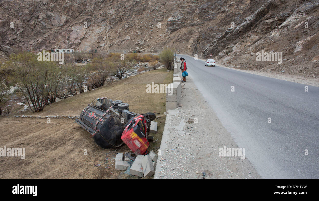 car accident between Kunduz and kabul, Afghanistan - Stock Image