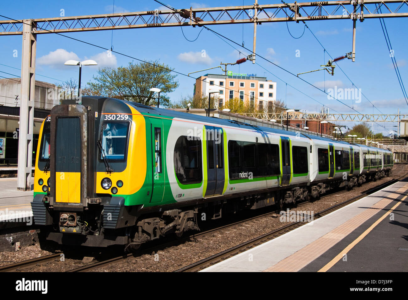 Watford junction railway station - Stock Image