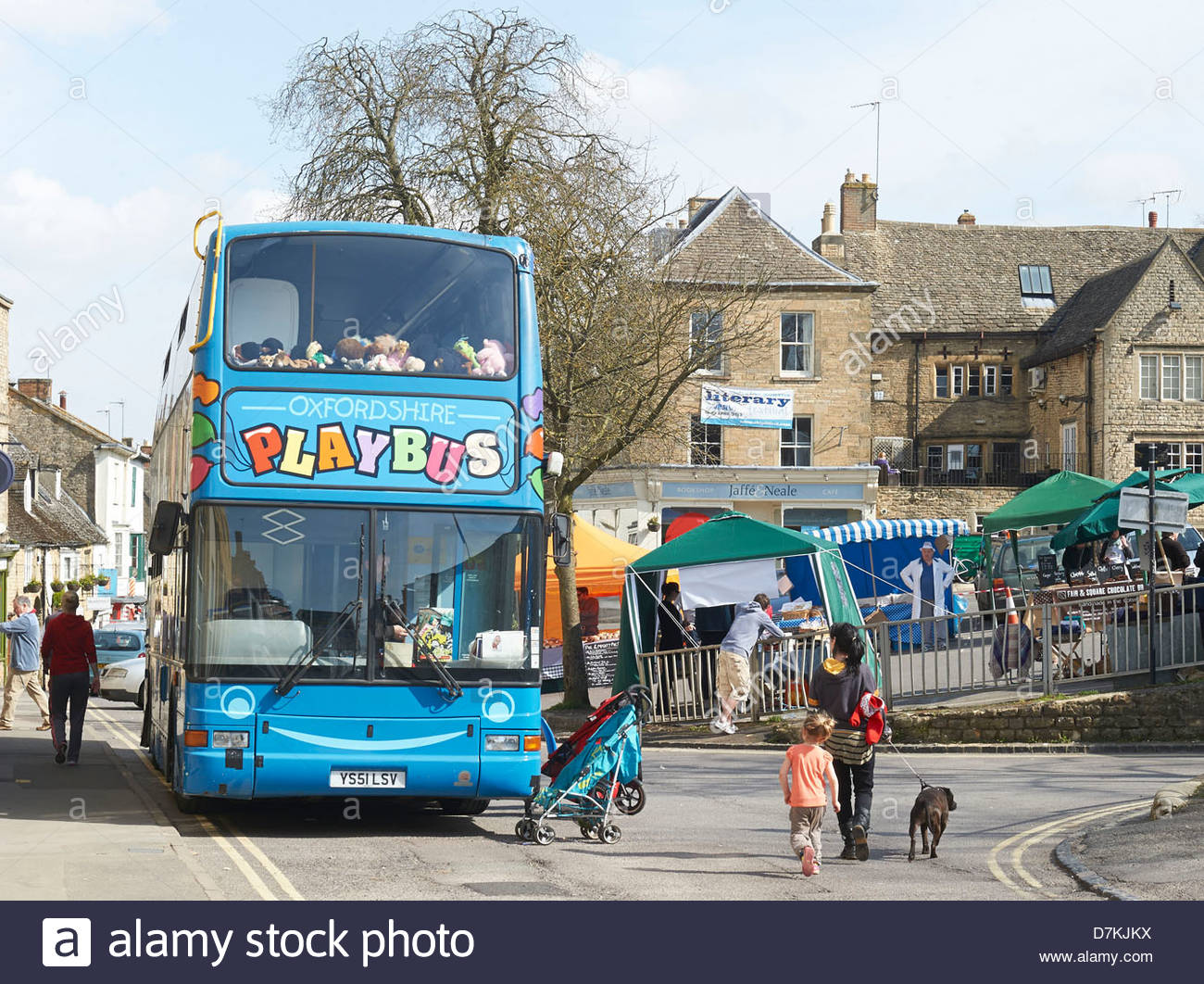 Paybus at the Chipping Norton Literary Festival 2013. CREDIT Geraint Lewis - Stock Image