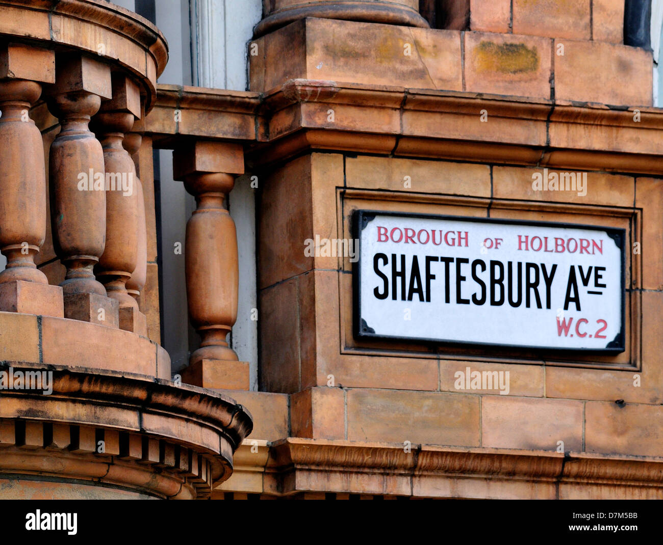 London, England, UK. Shaftesbury Avenue street sign - Stock Image