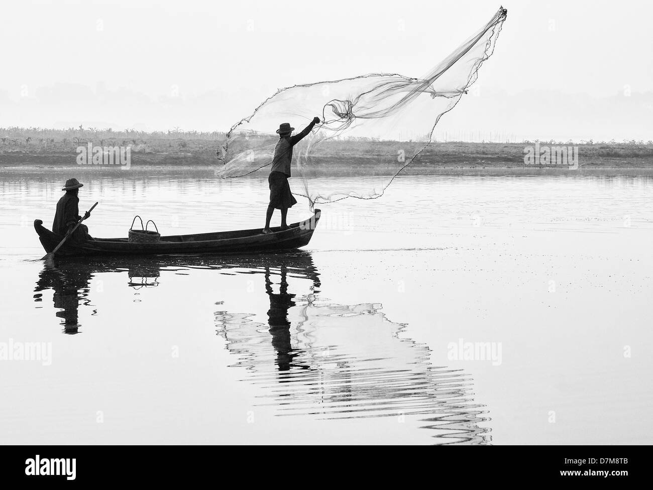 Fishermen on the Taungthaman Lake, Amarapura, Mandalay, Burma (Myanmar) - Stock Image