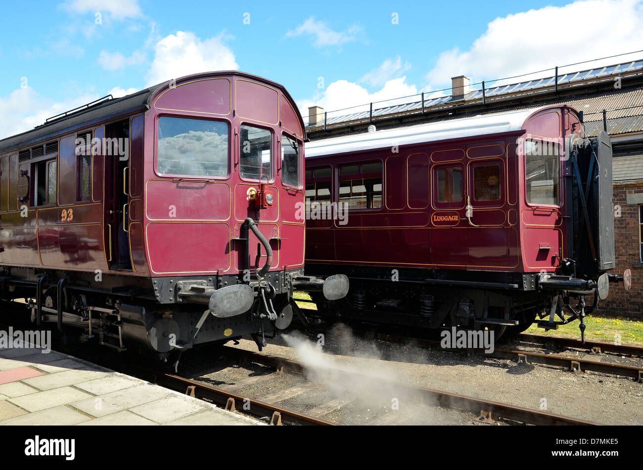 Rebuilt GWR steam railmotor and autotrailer, Didcot Railway Centre base. The precursor of modern multiple unit trains. - Stock Image