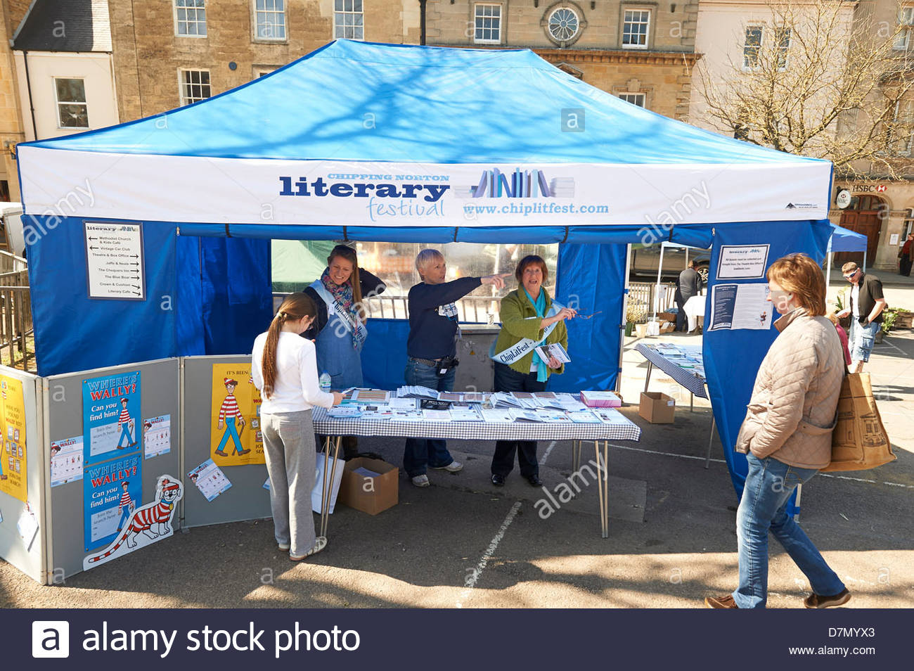 Information tent in the square at Chipping Norton Literary Festival 2013. CREDIT Geraint Lewis - Stock Image