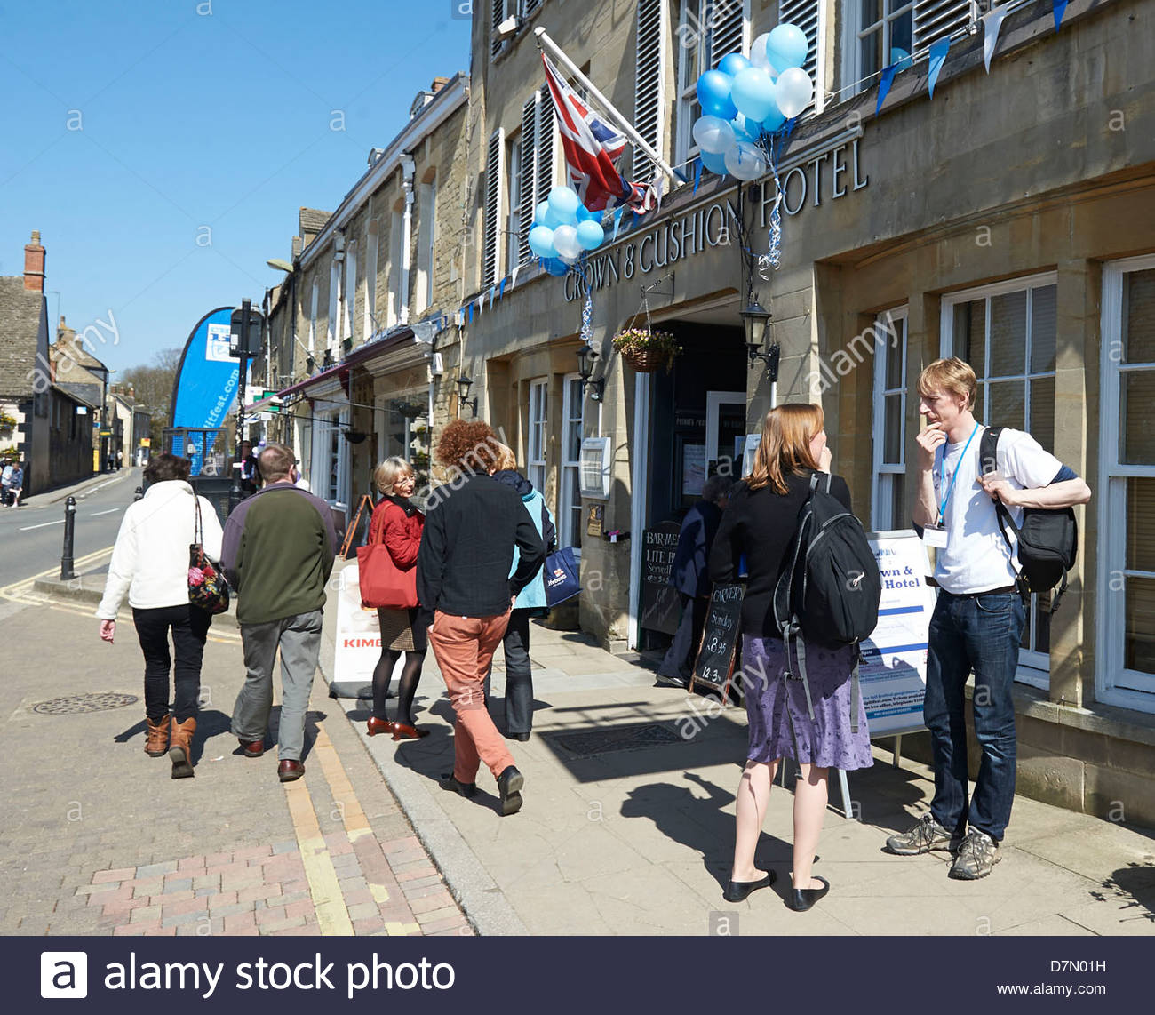 Audience Entering Crown and Cushion Hotel at the Chipping Norton Literary Festival 2013. CREDIT Geraint Lewis - Stock Image