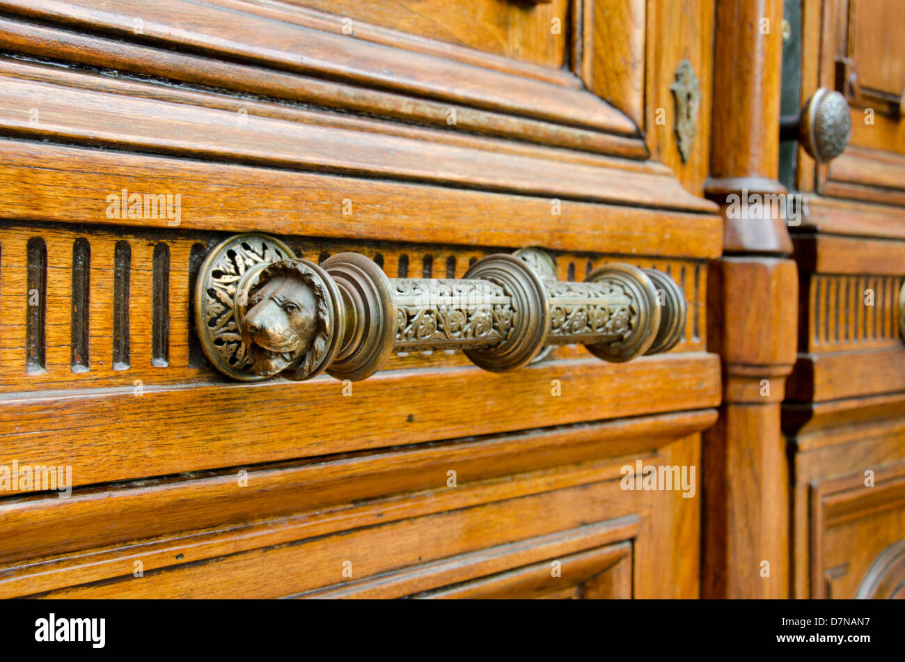 New York, Troy. Historic wooden doors of the Vail House part of Russell Sage College. - Stock Image
