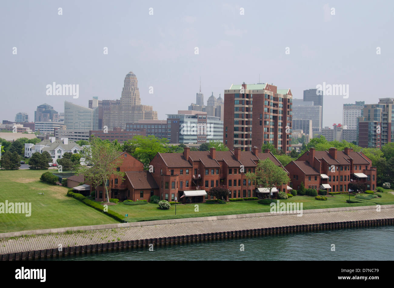 New York, Buffalo, Lake Erie. Waterfront marina area with Buffalo skyline and historic City Hall in distance. - Stock Image