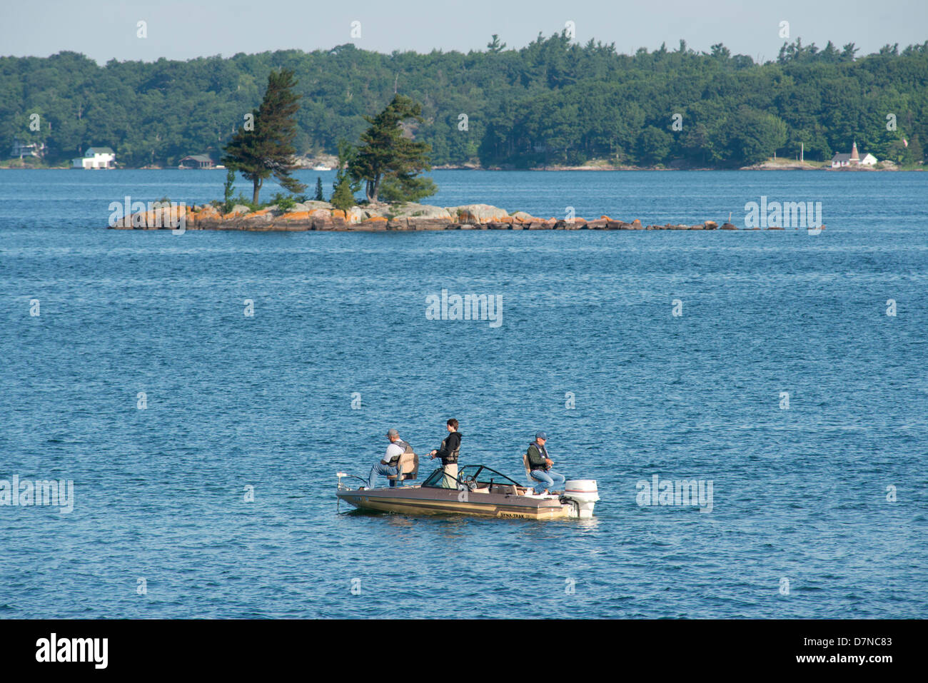 New York, St. Lawrence Seaway, Thousand Islands. The 'American Narrows'. Fishing boat. - Stock Image