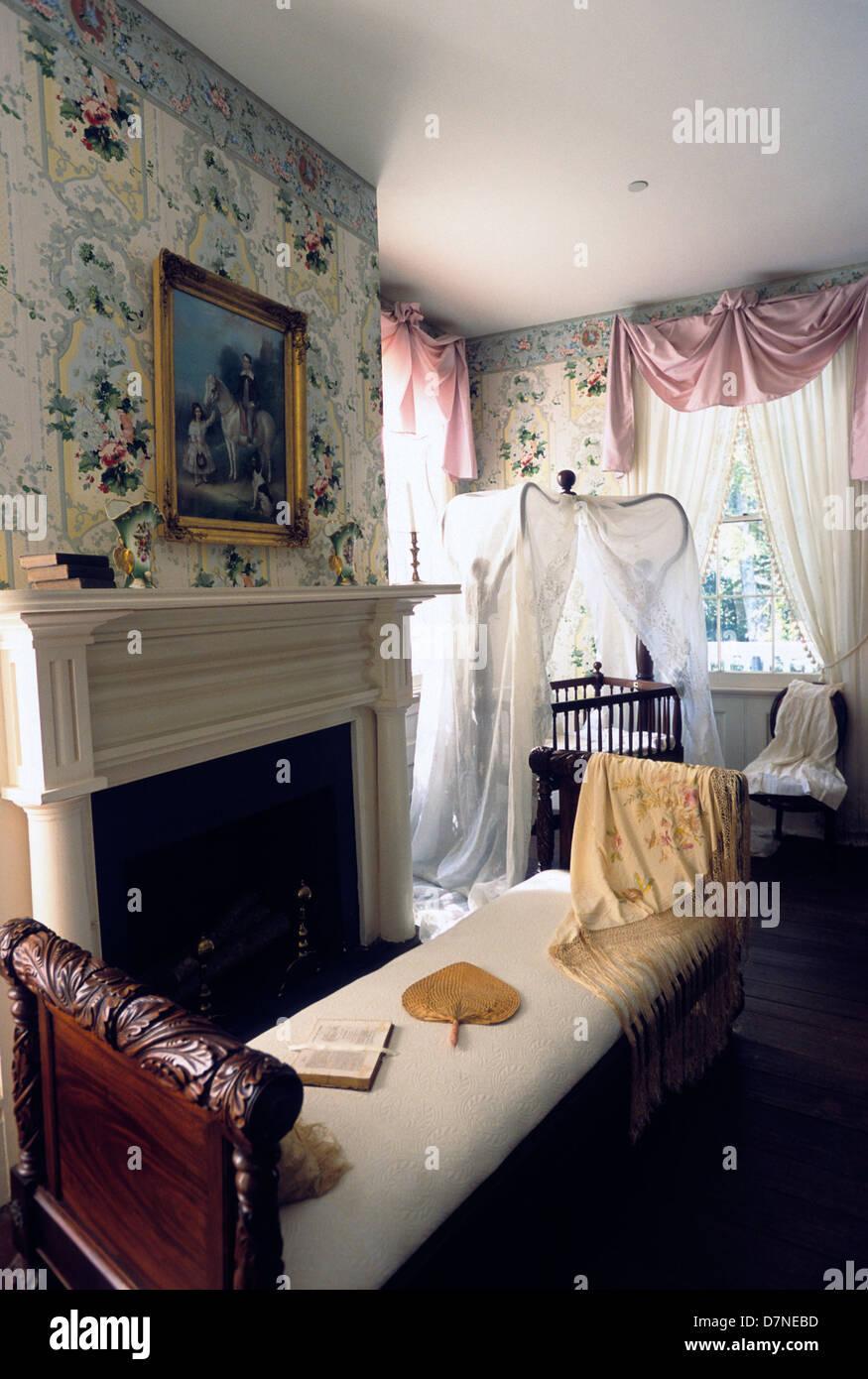 Elk283-3016v Louisiana, St Francisville, Rosedown Plantation State Historic Site, Mansion, 1836, bedroom - Stock Image