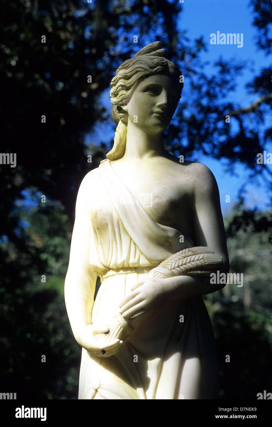 Elk283-3044v Louisiana, St Francisville, Rosedown Plantation State Historic Site, Mansion, 1836, garden statue - Stock Image