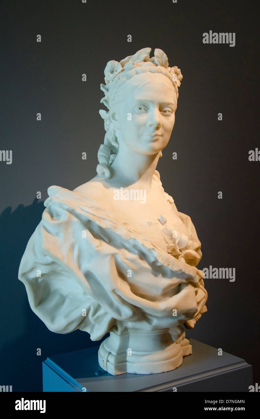 Ohio, Cleveland. The Cleveland Museum of Art. Marble bust of a lady, French, c. 1872, by Jean-Baptiste Carpeaux. Stock Photo