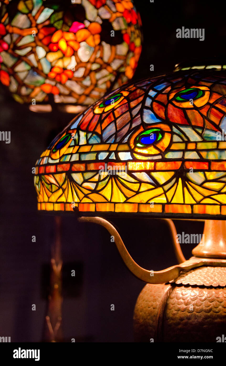 Ohio, Cleveland. The Cleveland Museum of Art. Tiffany art glass collection, traditional lamp shade. - Stock Image
