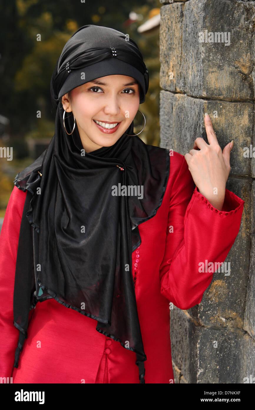 Outdoor portrait of Muslim Woman - Stock Image