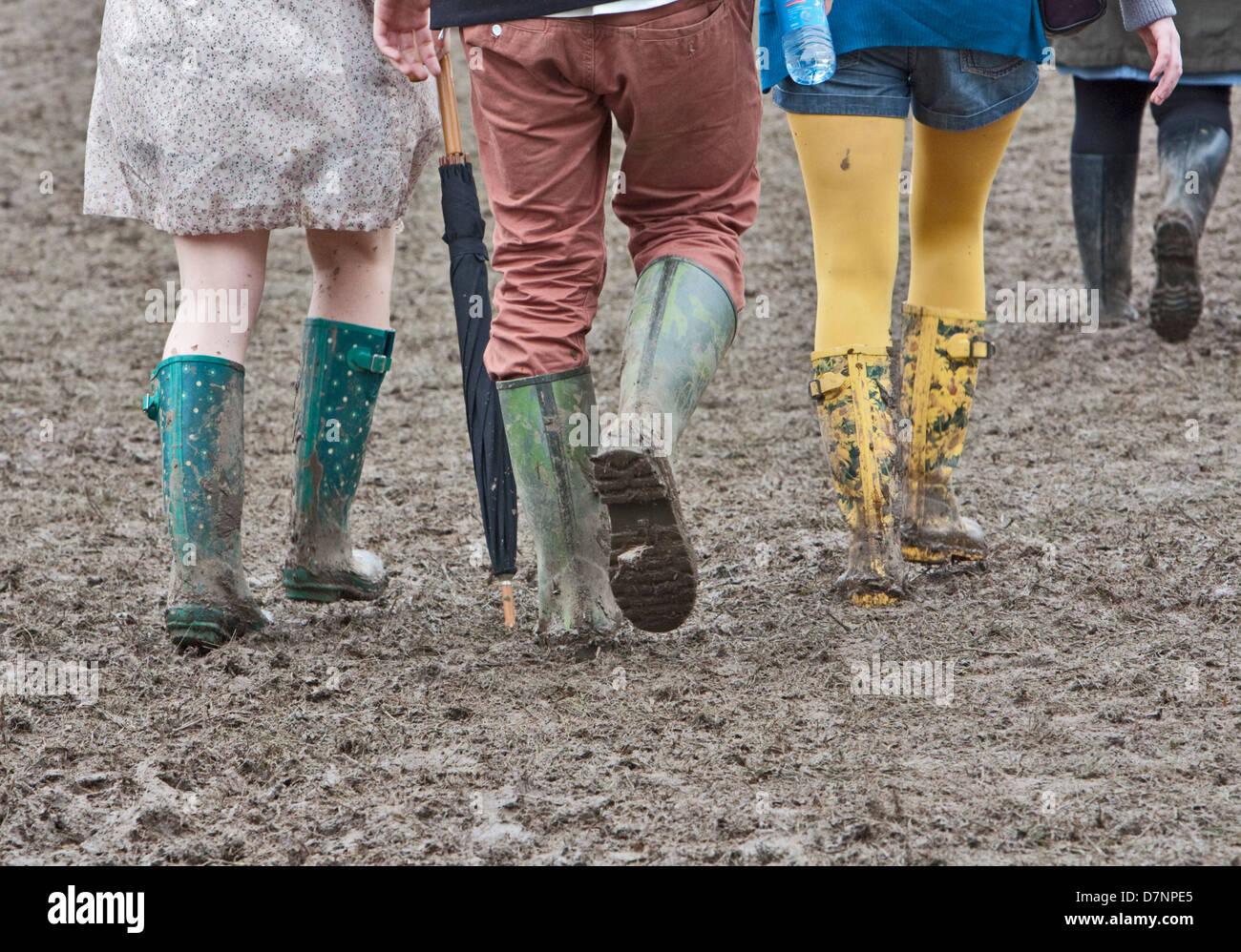 Handmade FESTIVAL WELLY /& CIDER NECKLACE mud MUDDY glastonbury THATCHERS wellies