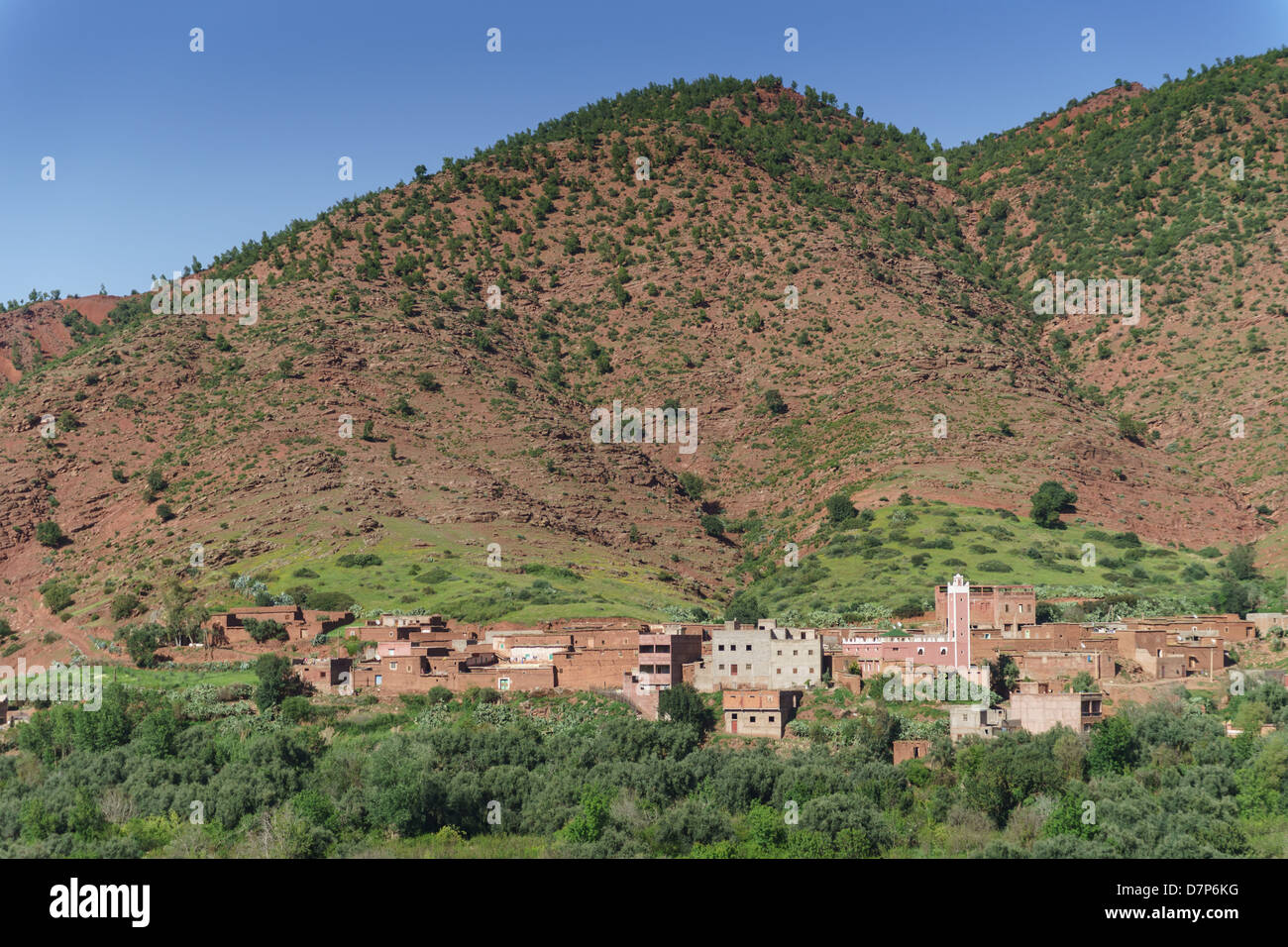 Morocco, Marrakesh - Ourika river valley, a Berber village with mosque. - Stock Image
