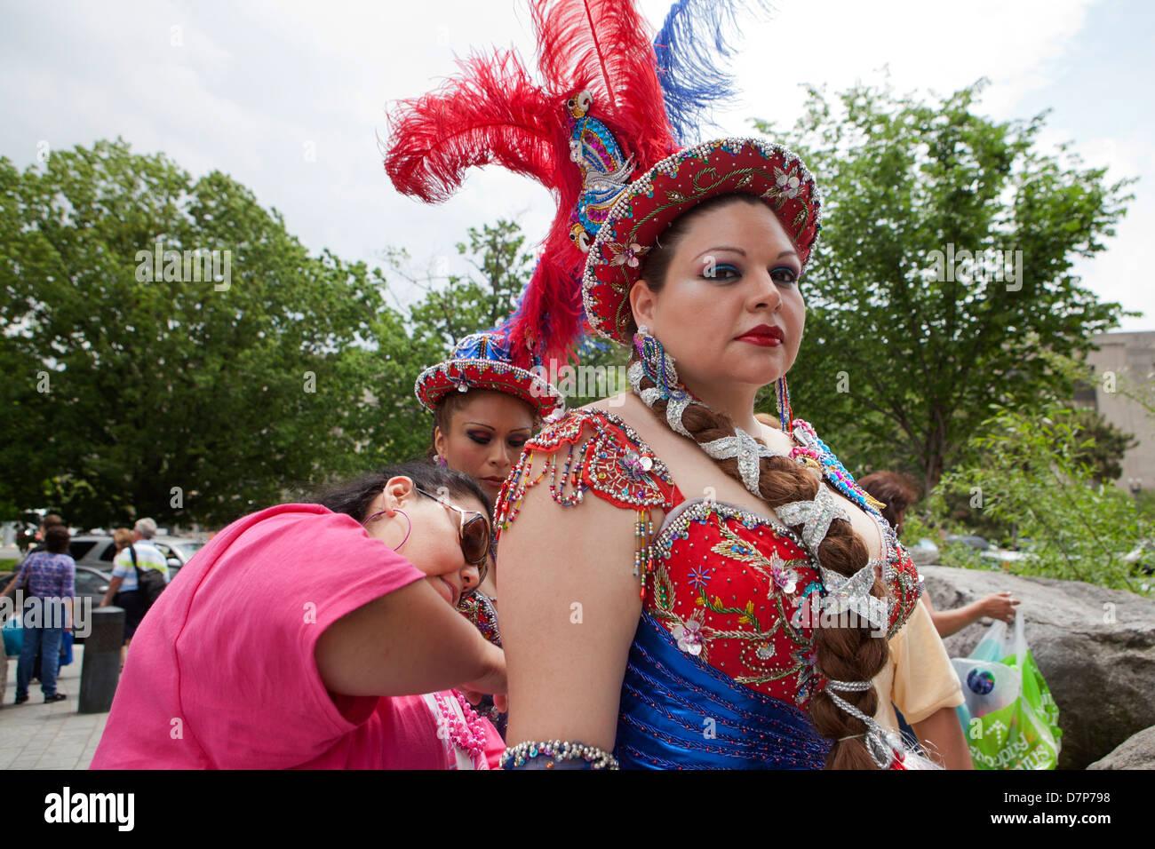 Traditional female Bolivian dancer at Latin festival - Washington, DC USA - Stock Image