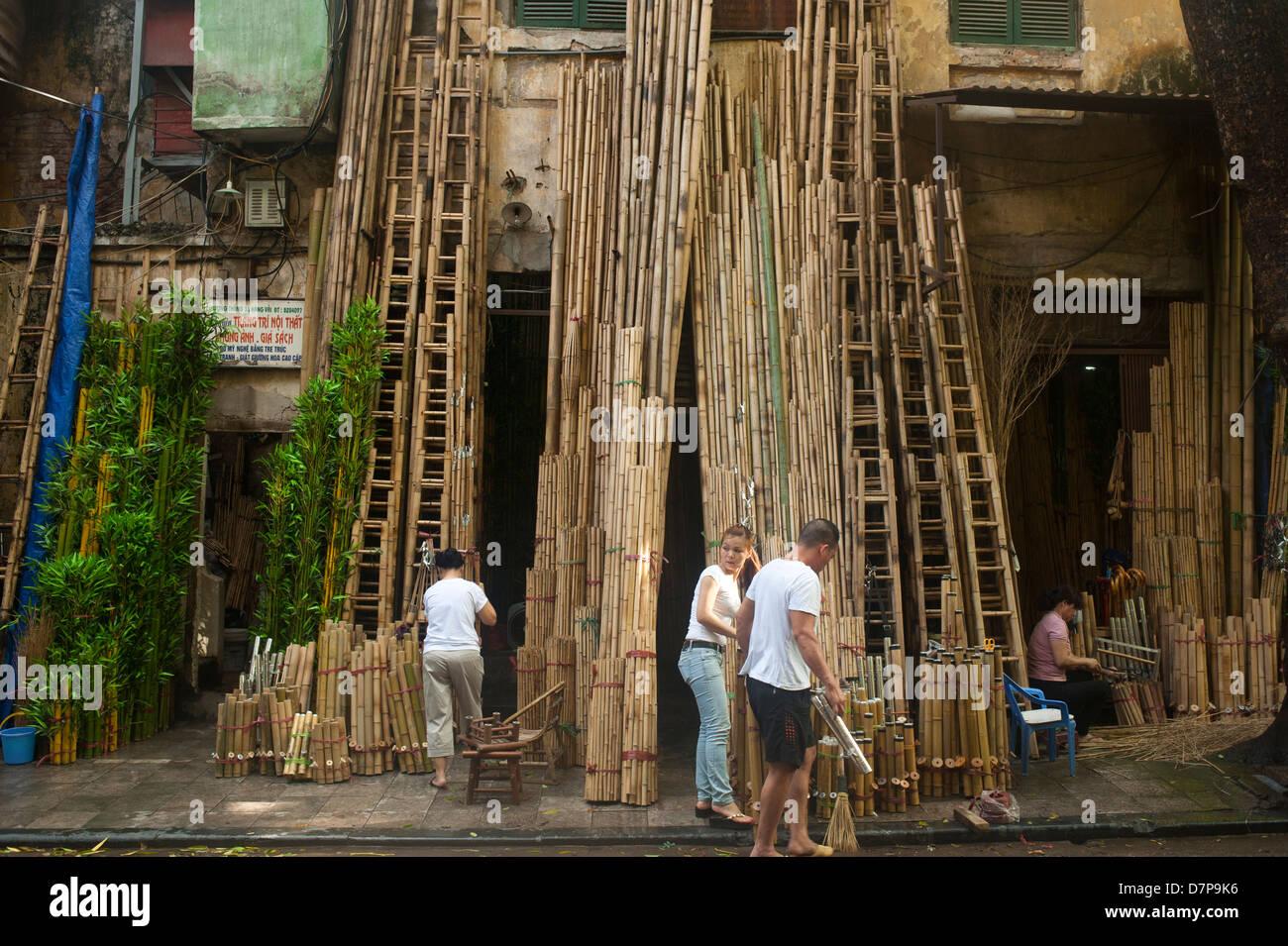hanoi vietnam 2013 bamboo selling business ladder street old quarter stock image