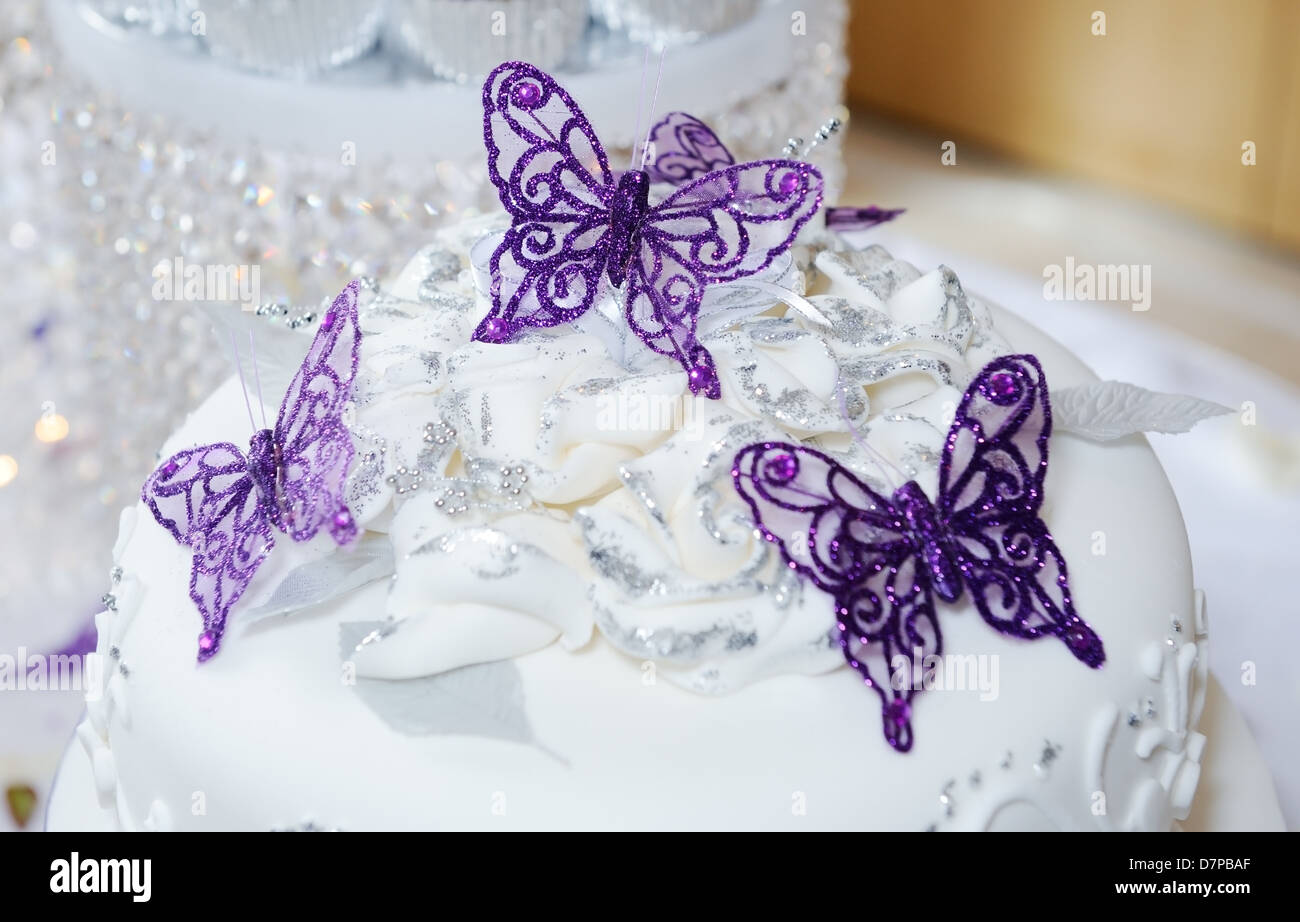 Cake Butterfly Stock Photos & Cake Butterfly Stock Images - Alamy