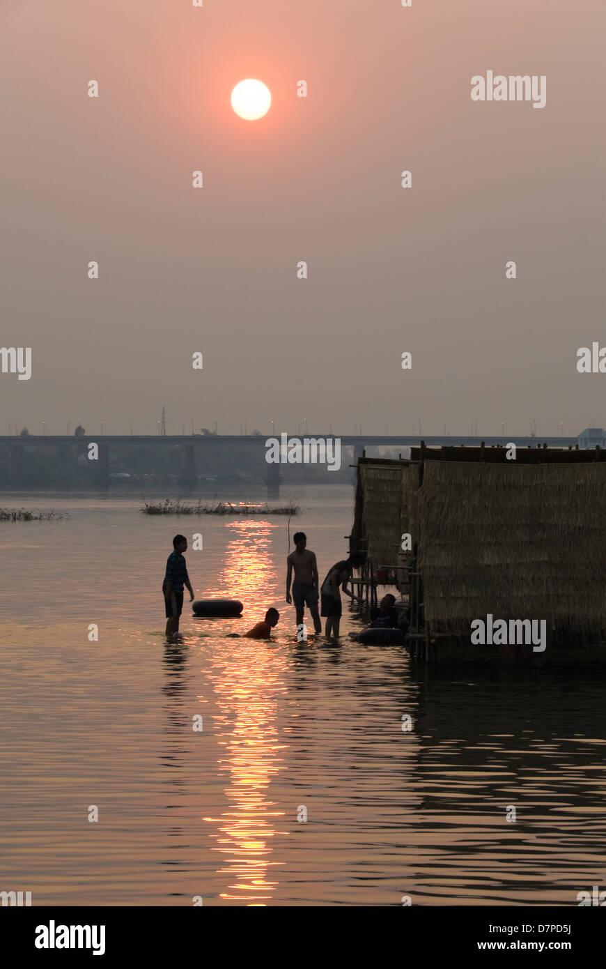 Sundown on Mon River, Sonnenuntergangsstimmung am Mon Fluss Stock Photo
