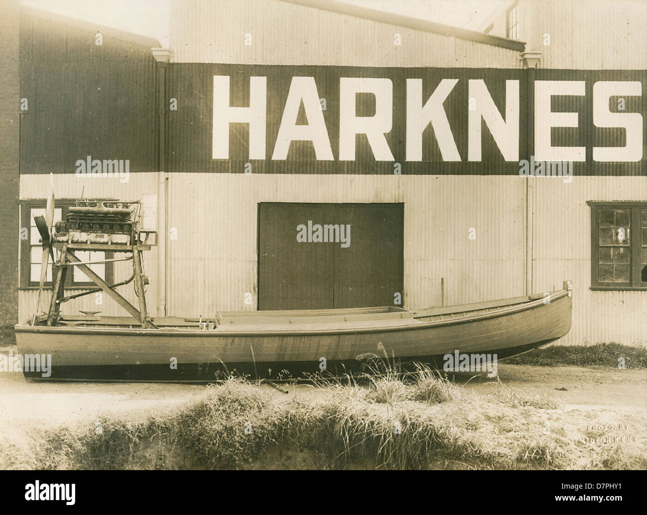 Hydroglider outside the Harkness & Hillier factory, 1928 - Stock Image