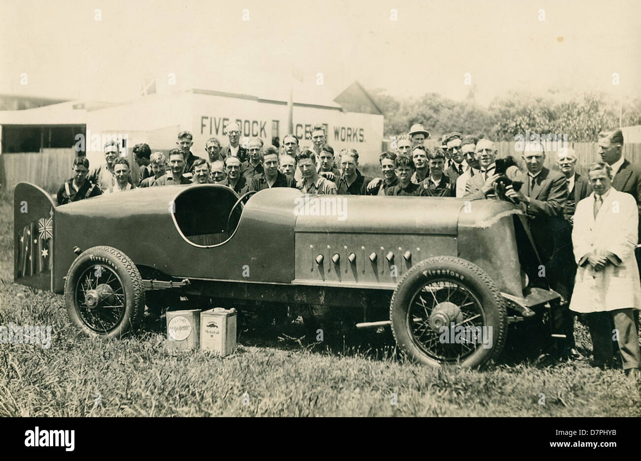 'Anzac' car [with Harkness & Hillier staff at Five Dock?], 1928 - 1929 - Stock Image