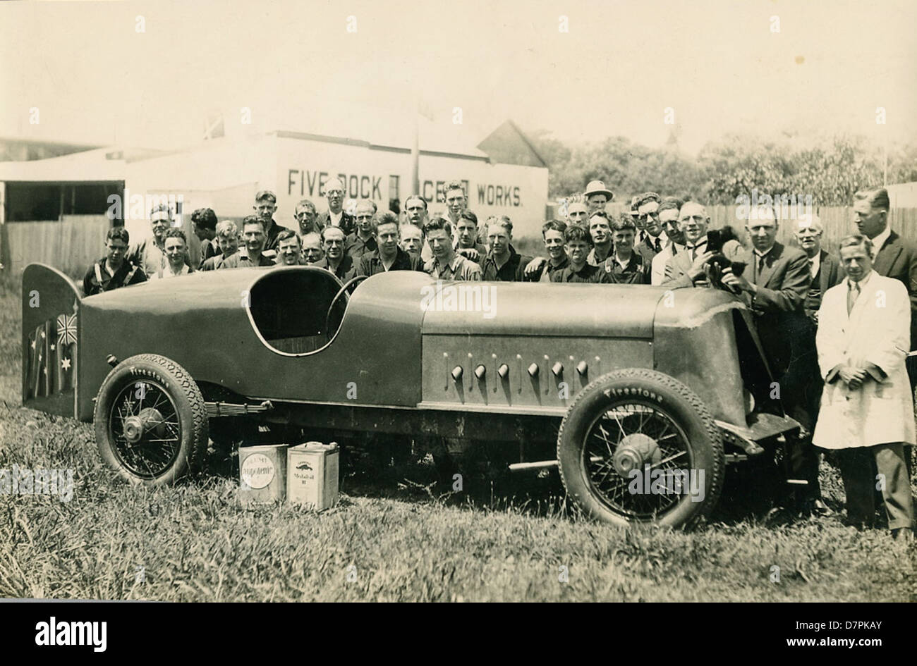 'Anzac' car [with Harkness & Hillier staff at Five Dock?] - Stock Image