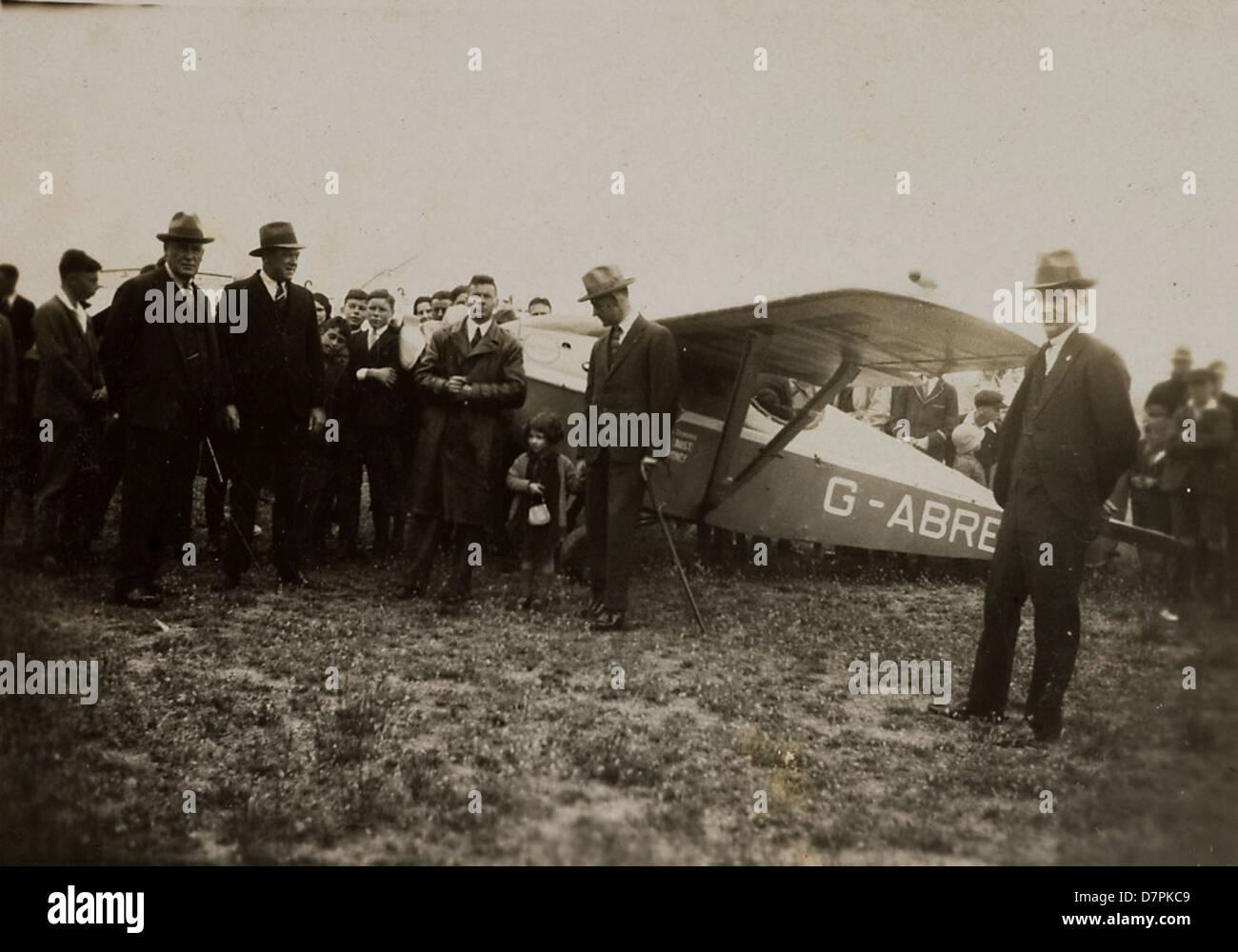 Arthur Butler and crowd near Comper Swift aeroplane G-ABRE, 1931 - Stock Image