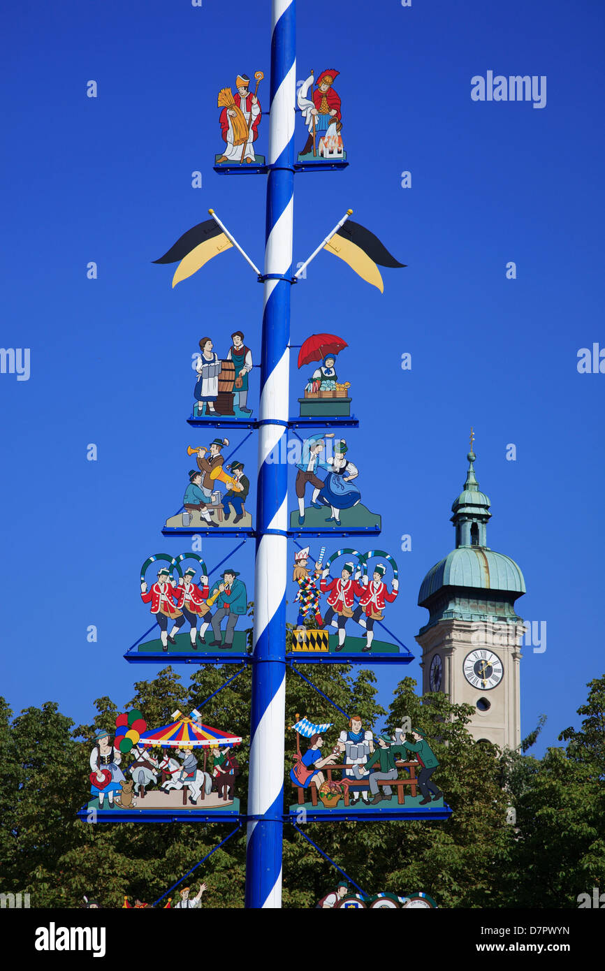 Traditional Maibaumm, May Tree, at Viktualienmarkt, Munich, Bavaria, Germany - Stock Image