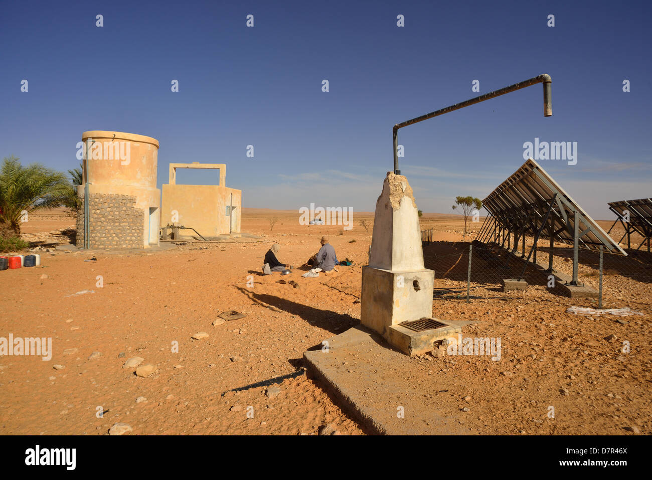 Solar Panels generating Electricity for a water pumpstation in the desert near Douz, South of Tunisia. Stock Photo