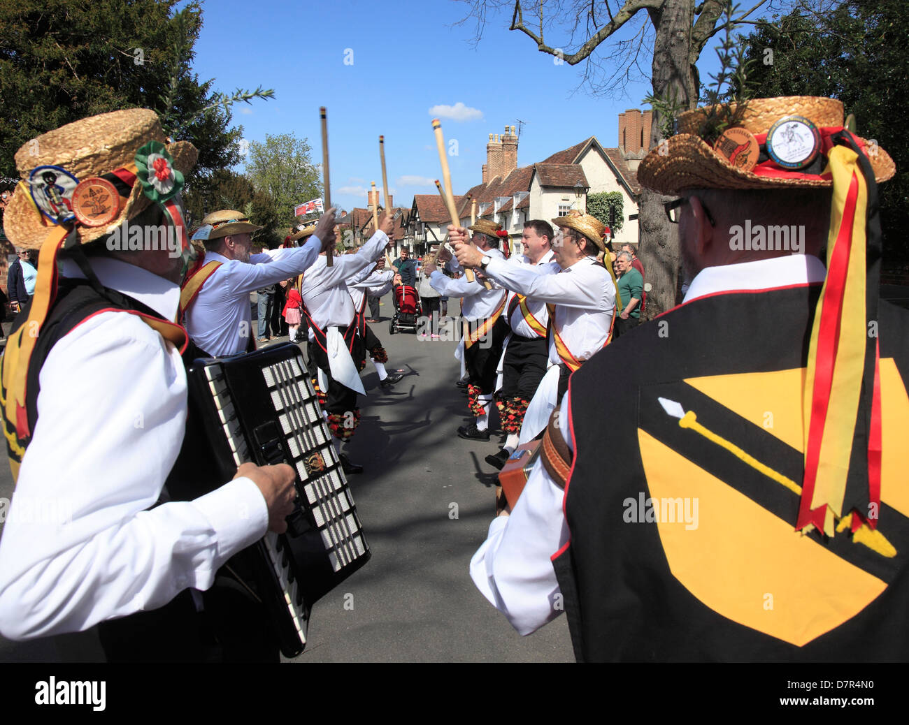 Morris Dancers at the annual Shakespeare Birthday Memorial Parade at Stratford upon Avon. - Stock Image