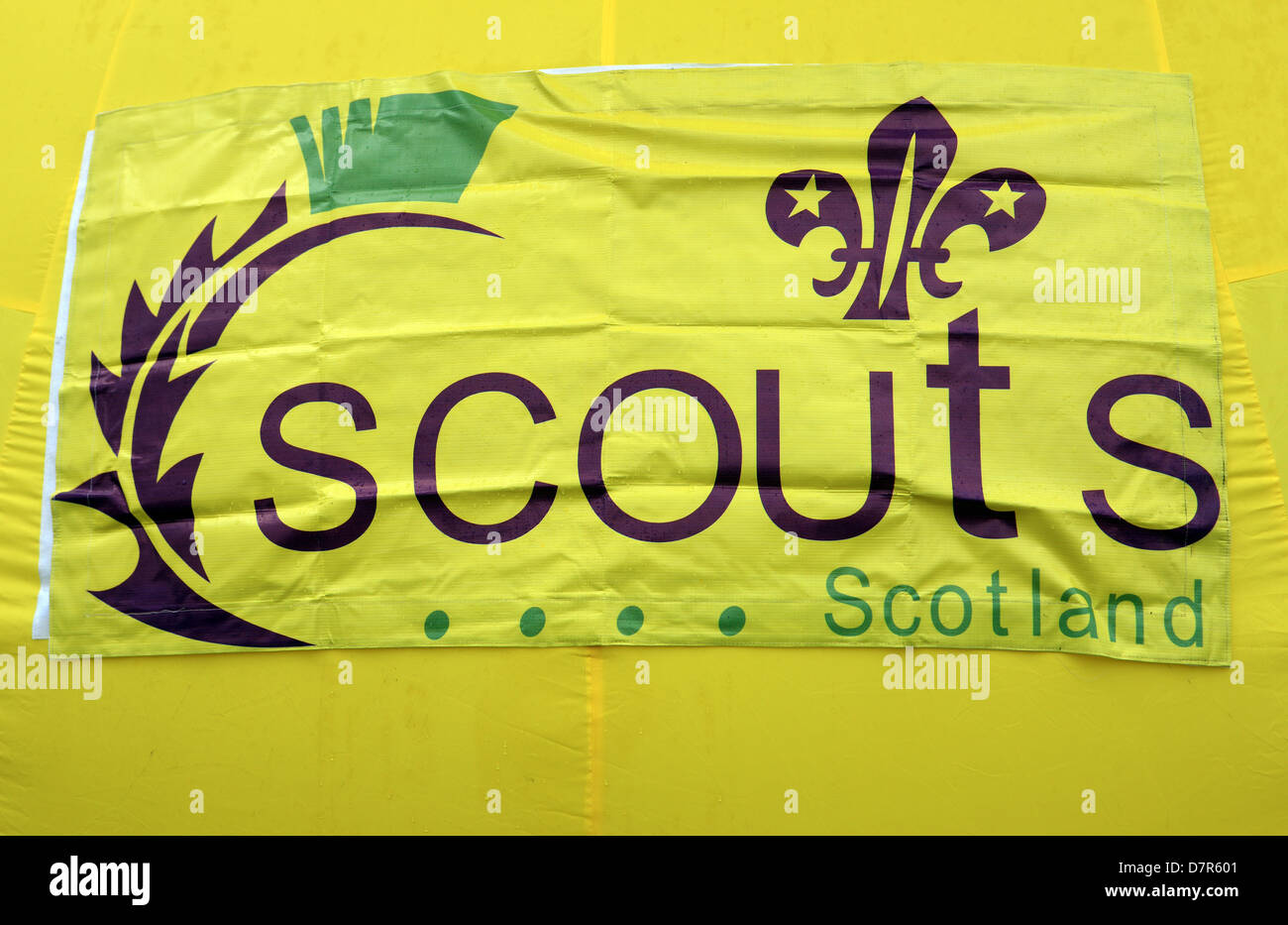 Scouts Scotland sign on a yellow background - Stock Image