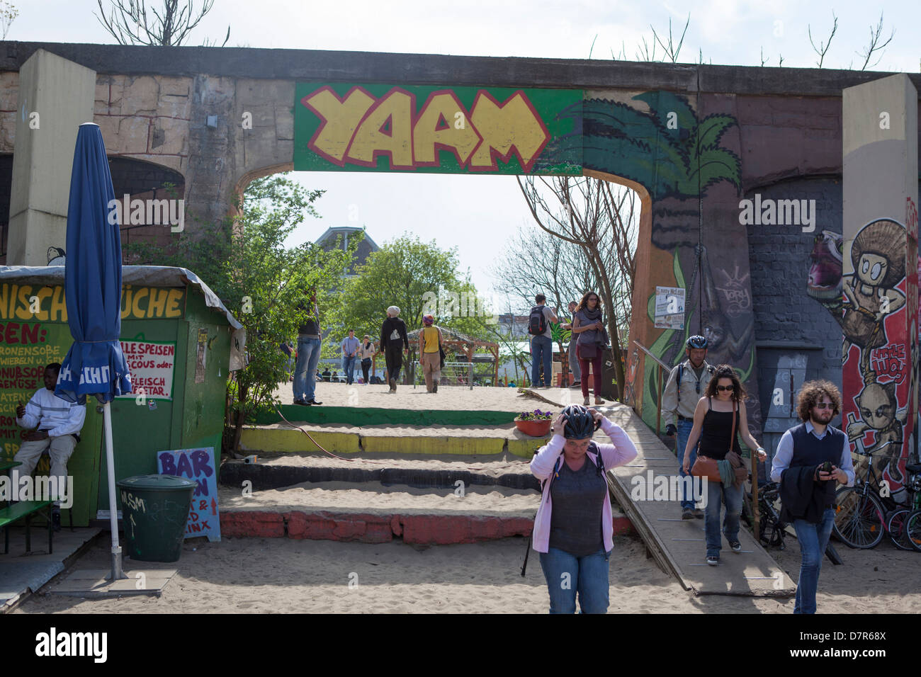 Young German people at Yaam. Yaam is one of Europe's most important places for youth culture and lifestyle - Stock Image