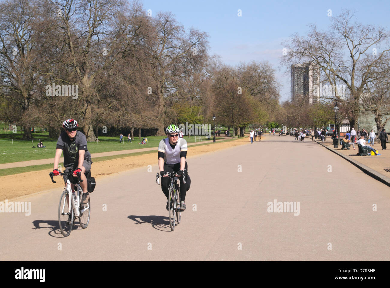 Bicyclists at Hyde Park London - Stock Image