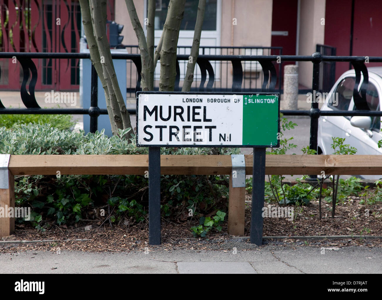 London, UK. 13th May 2013.  A London council has reversed the name of one of its streets from 'Muriel' to - Stock Image