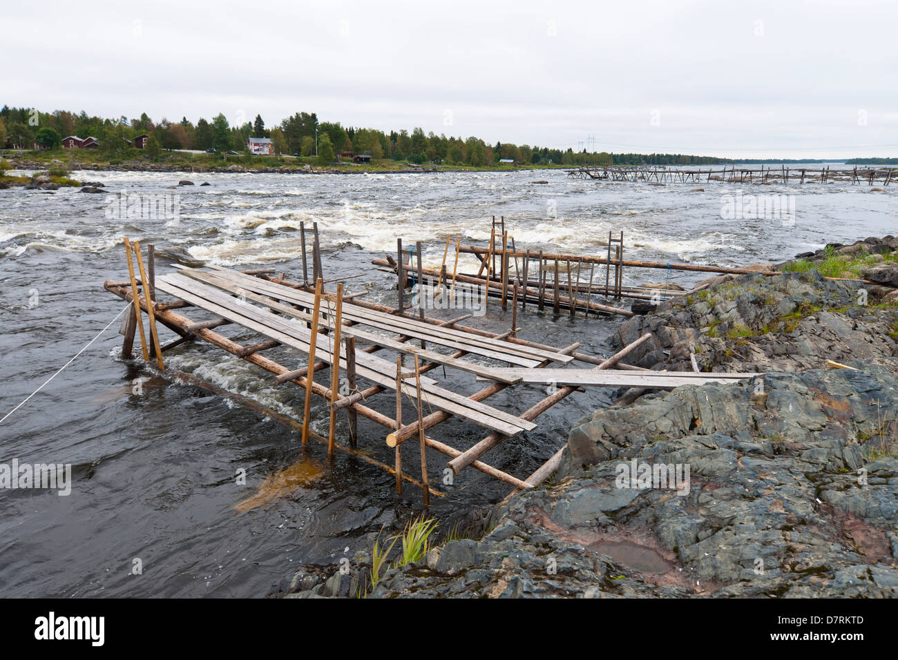 Fishing bridges in Torne älv at the border between Sweden and Finland - Stock Image