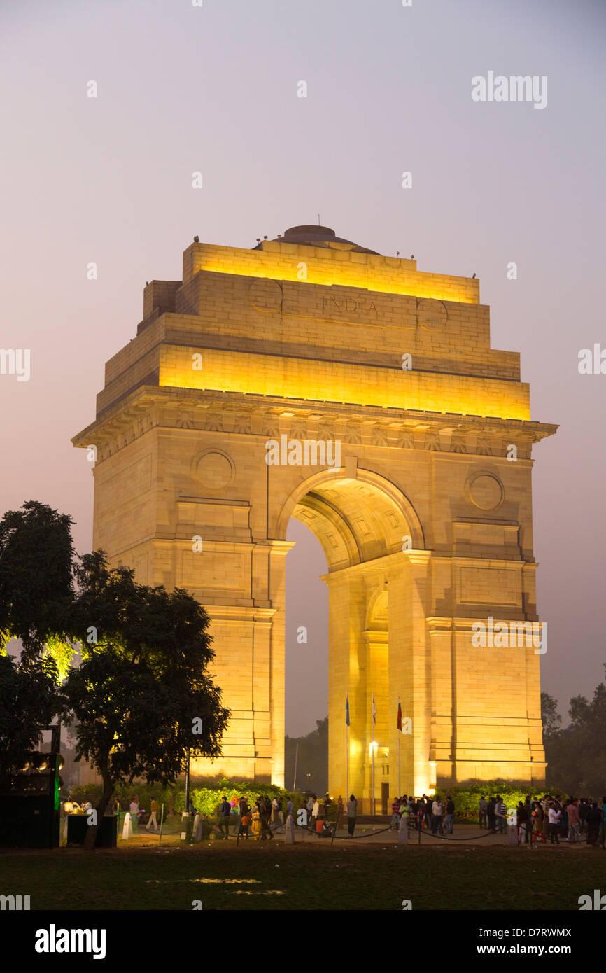 India, Uttar Pradesh, New Delhi, India Gate illuminated at night - Stock Image