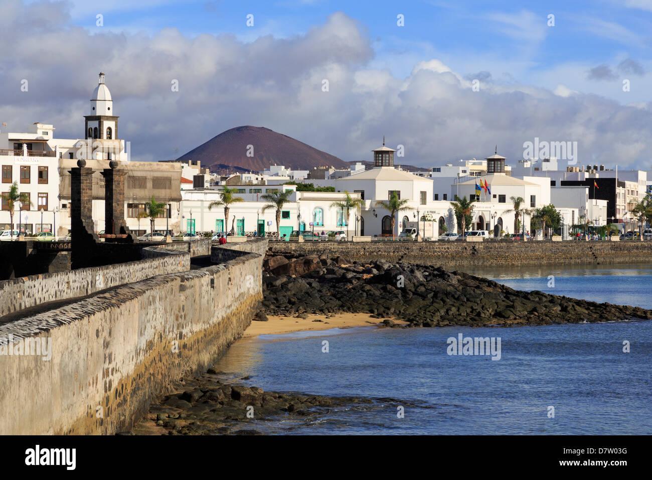 Las Bolas Causeway, Arrecife, Lanzarote Island, Canary Islands, Spain, Atlantic - Stock Image