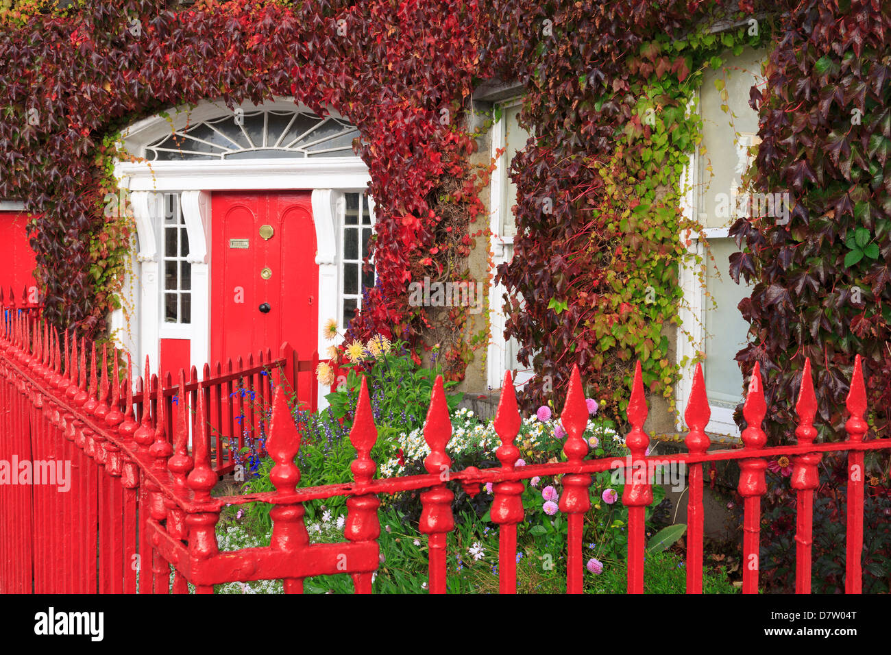 Georgian house on the Octagon in Westport Town, County Mayo, Connaught, Republic of Ireland - Stock Image