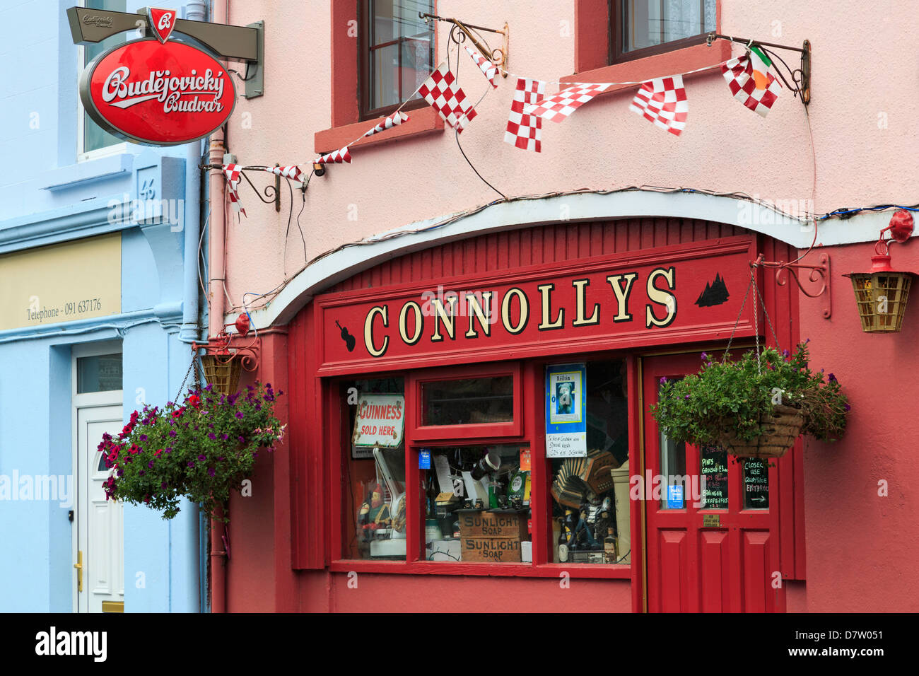 Connollys Pub in Kinvara, County Galway, Connaught, Republic of Ireland, Ireland - Stock Image