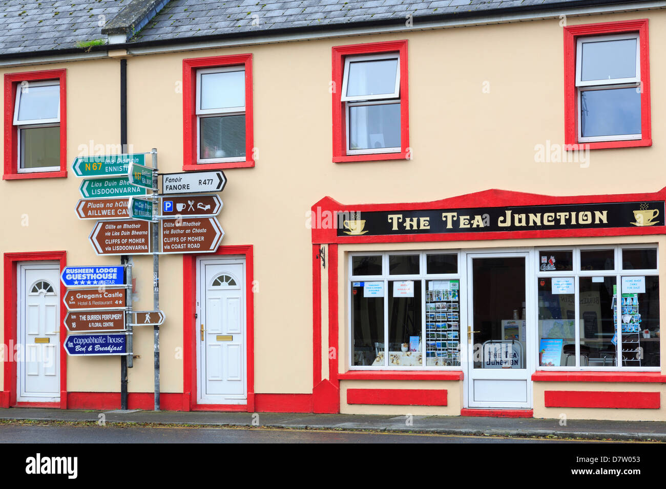 Cafe in Ballyvaughan Town, County Clare, Munster, Republic of Ireland - Stock Image
