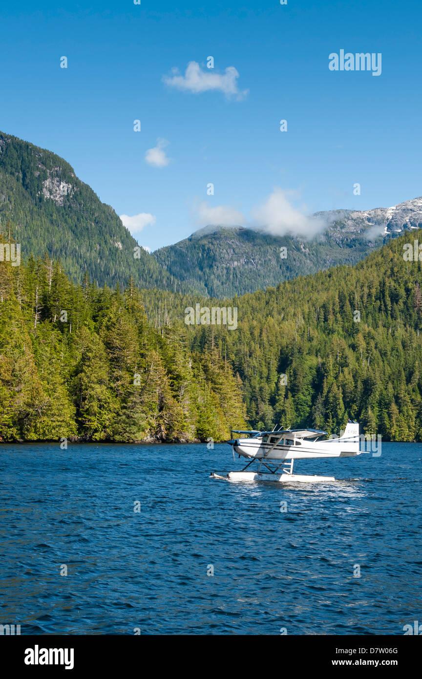 Floatplane in Great Bear Rainforest, British Columbia, Canada - Stock Image