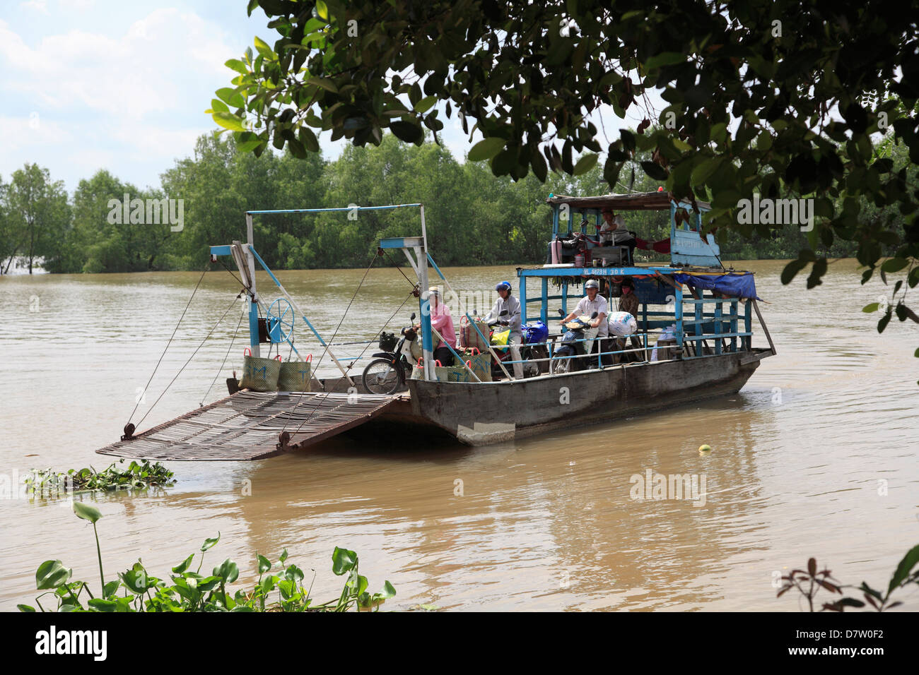 Local ferry, Mekong River, Mekong Delta, Vinh Long Province, Vietnam, Indochina, Southeast Asia - Stock Image