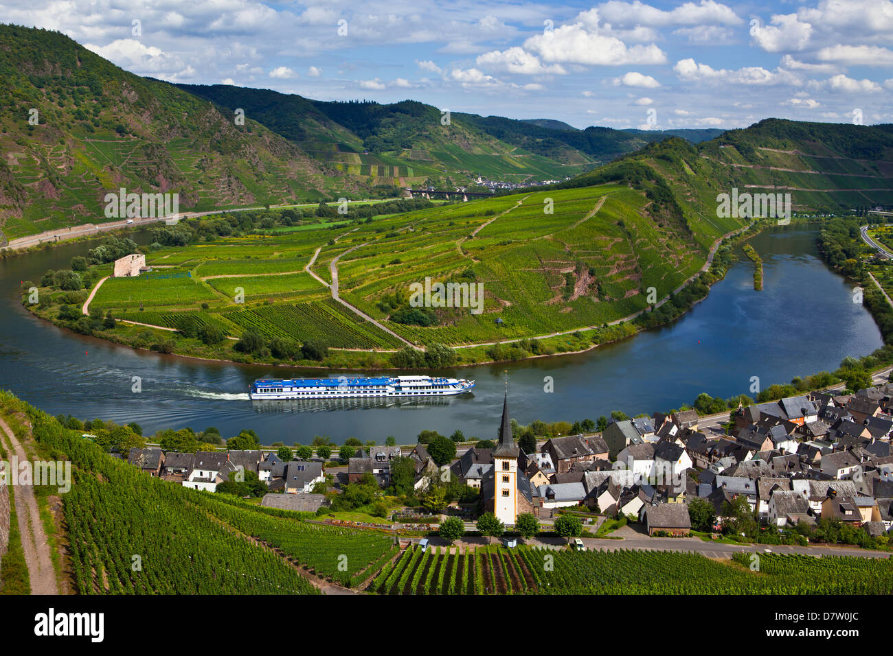 The famous bow near Bremm on the River Moselle, Rhineland-Palatinate, Germany - Stock Image