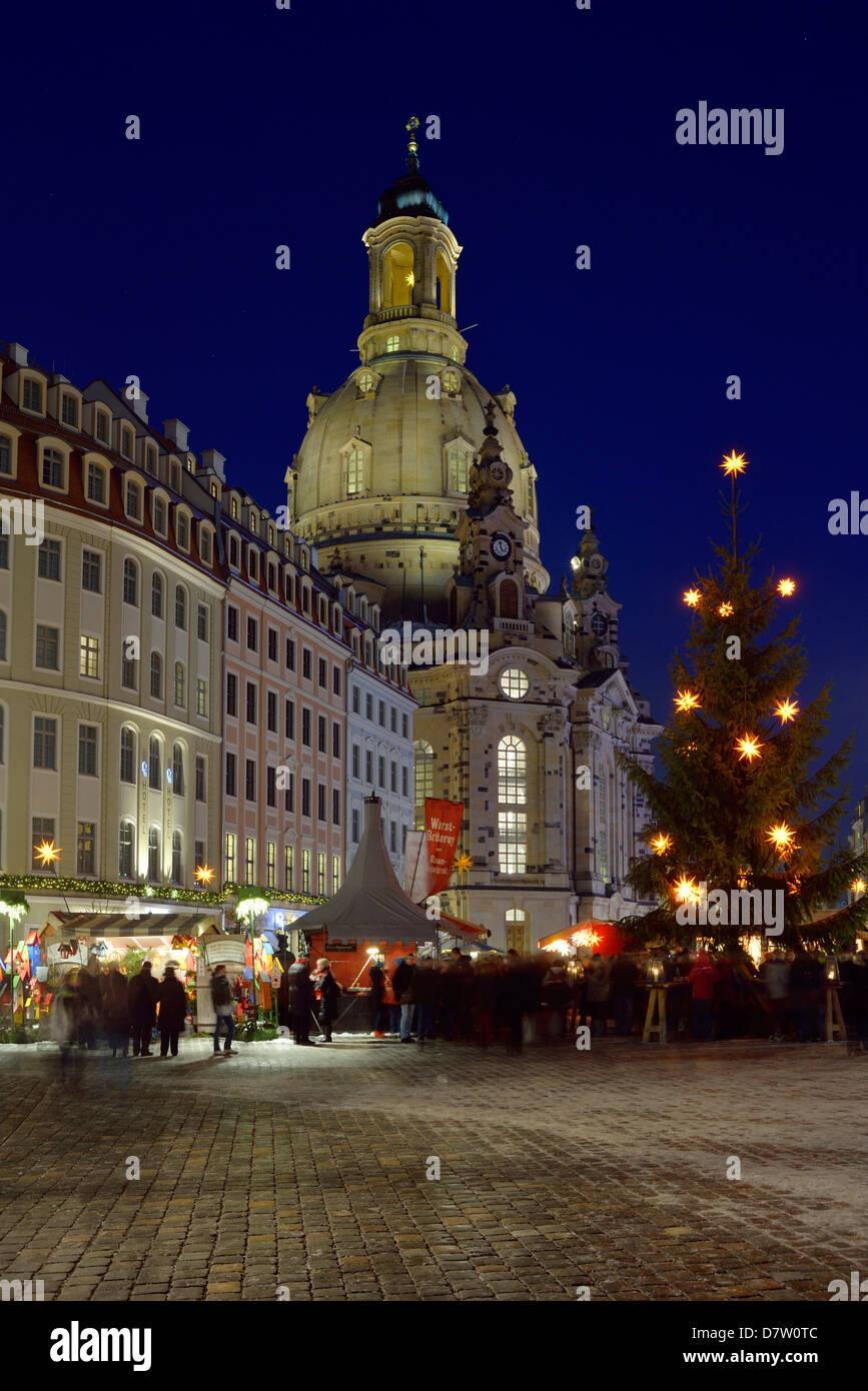 Dresden, Neumarkt, Weihnachtsmarkt unter der Frauenkirche, Sachsen, Deutschland - Stock Image