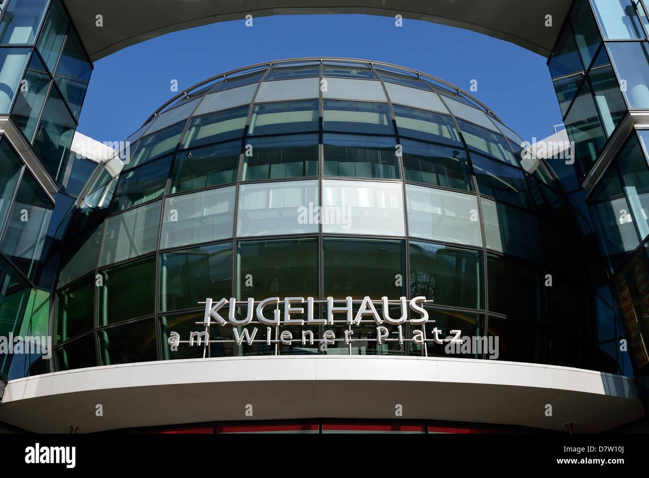 Dresden, Kugelhaus am Wiener Platz, Sachsen, Deutschland Stock Photo