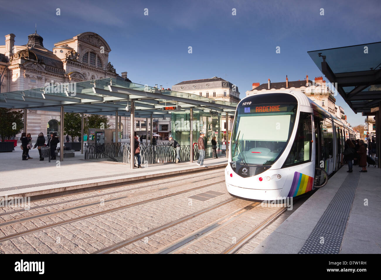 A tram pulls into the station at Place du Ralliement, Angers, Maine-et-Loire, France - Stock Image