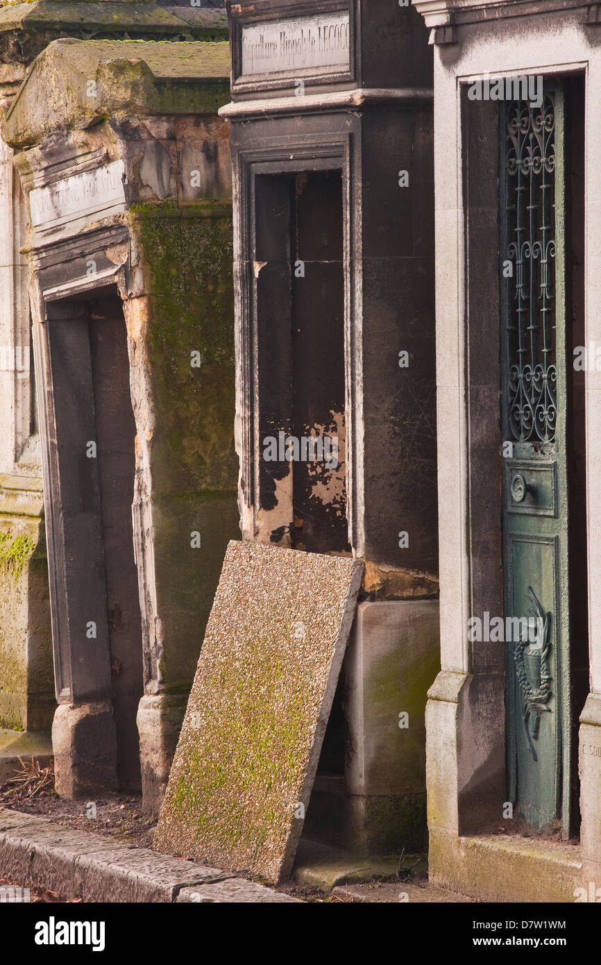 The graves of Pere Lachaise cemetery, Paris, France - Stock Image