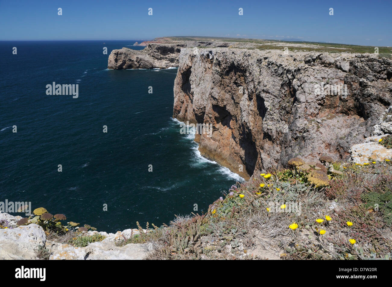 Limestone cliffs running north from Cape St. Vincent (Cabo de Sao Vicente)'s most southwestern point, Algarve, - Stock Image