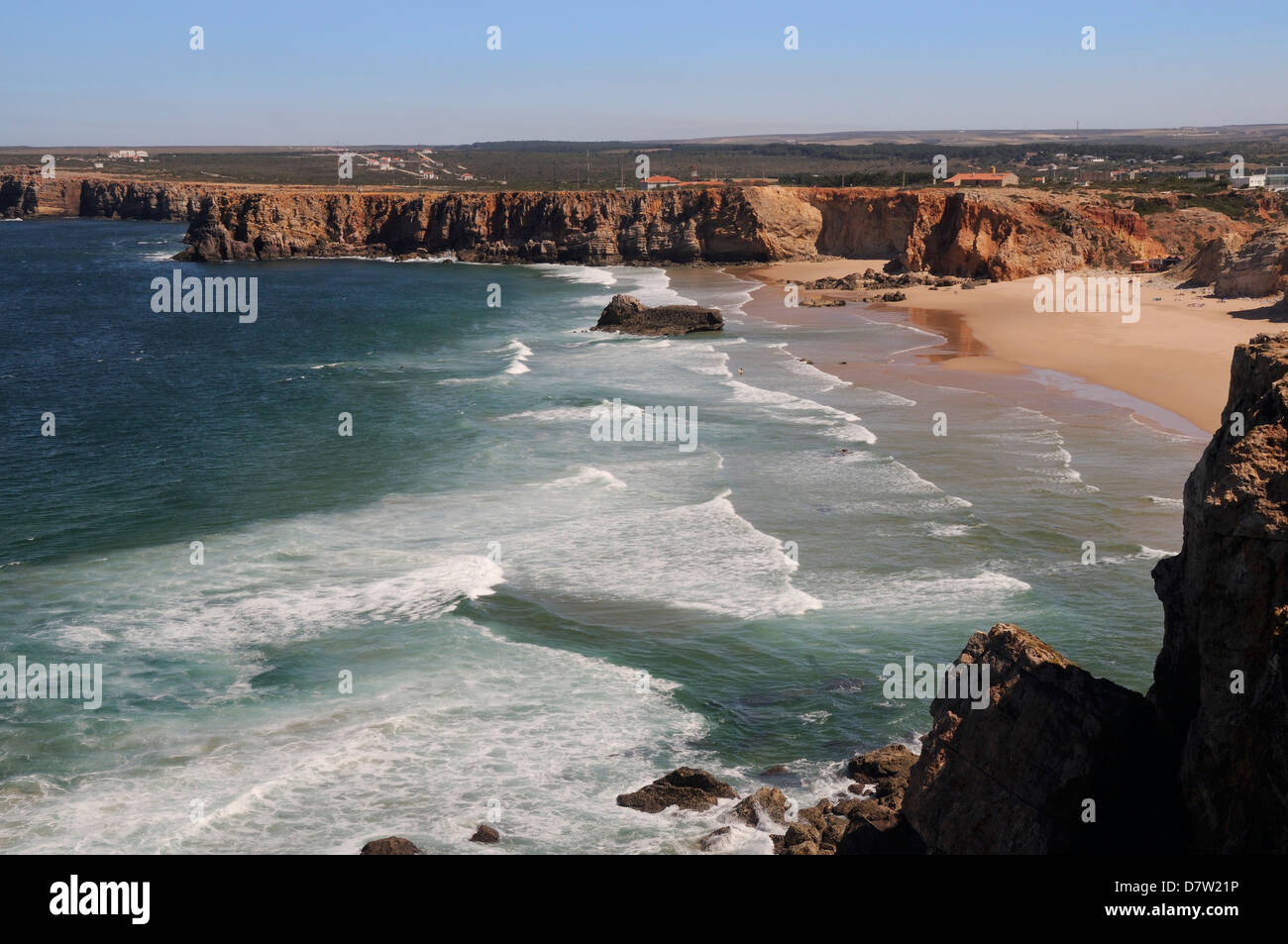 Praia do Tonel beach viewed from Sagres fort (Fortaleza de Sagres), Ponta de Sagres, Algarve, Portugal - Stock Image