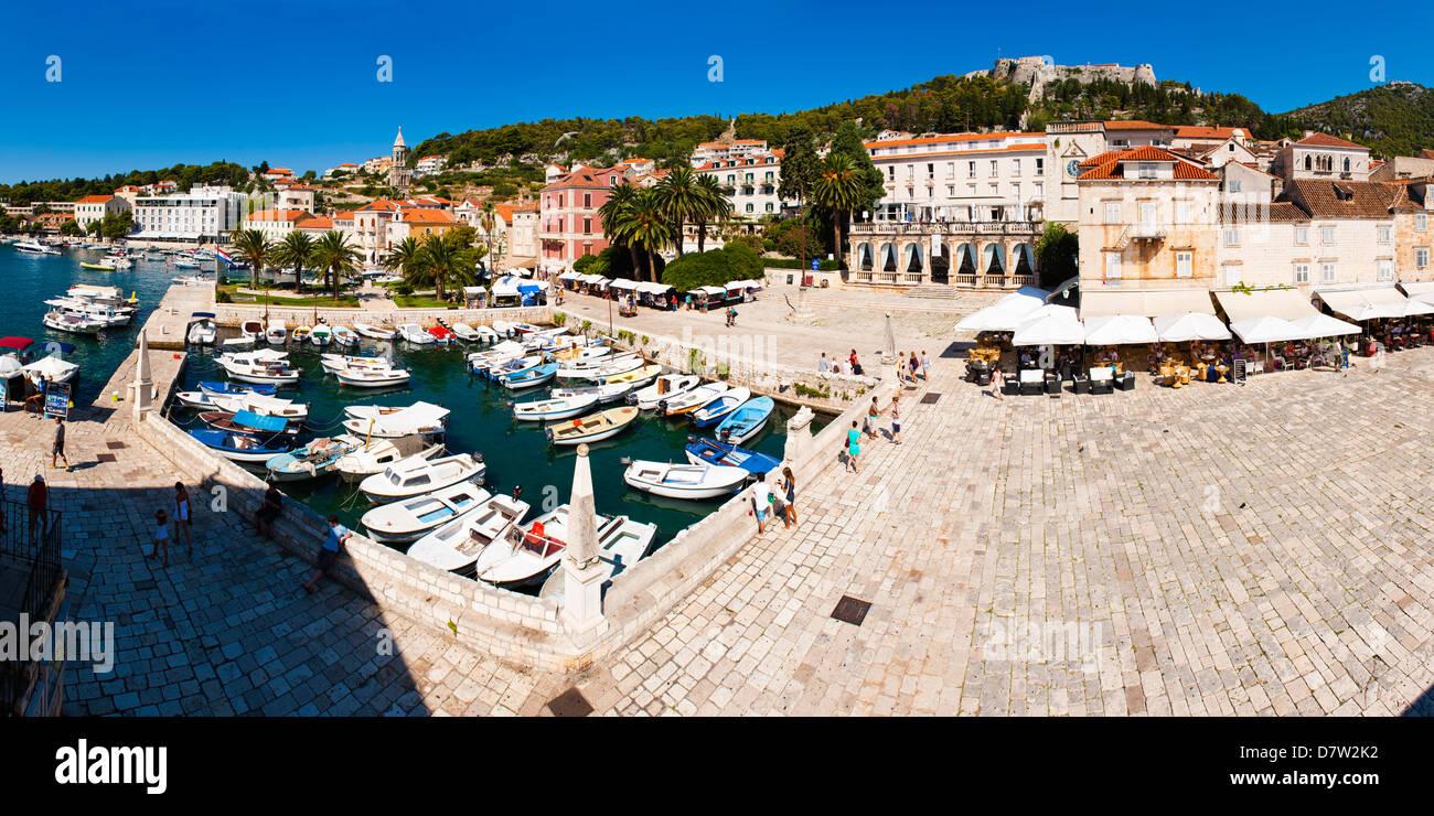 St. Stephens Square and old harbour, Hvar Town, Hvar Island, Dalmatian Coast, Adriatic, Croatia - Stock Image