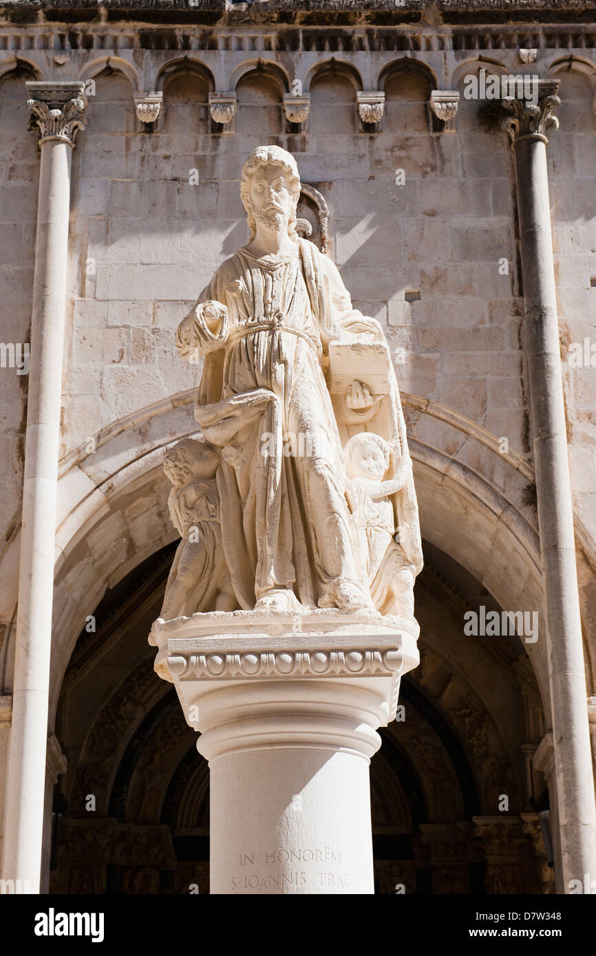 Statue of St. Lawrence, St. Lawrence Square, Trogir, UNESCO World Heritage Site, Dalmatia, Croatia - Stock Image